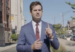 Daily Show Michael Costa has no idea what time it is in Chicago