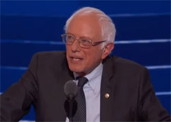 Democratic Convention, Bernie Sanders combed his hair for his last Speech
