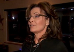 Sarah Palin Throws Chris Christie Under the BridgeGate Bus!