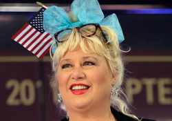 Glenn Beck Disciple and fmr SNL Dizzy Blonde Victoria Jackson Announces Run for Office in Tennessee
