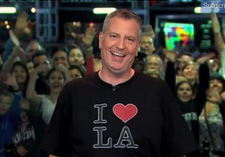 NY Mayor de Blasio Loses Stanley Cup Bet, Sings I Love LA  Jimmy Kimmel