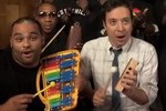 "Jimmy Fallon, Robin Thicke & The Roots Perform ""Blurred Lines"" on Classroom Instruments"