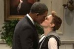 snl obama kisses justin beiber