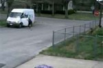 fedex in trouble, caught on camera